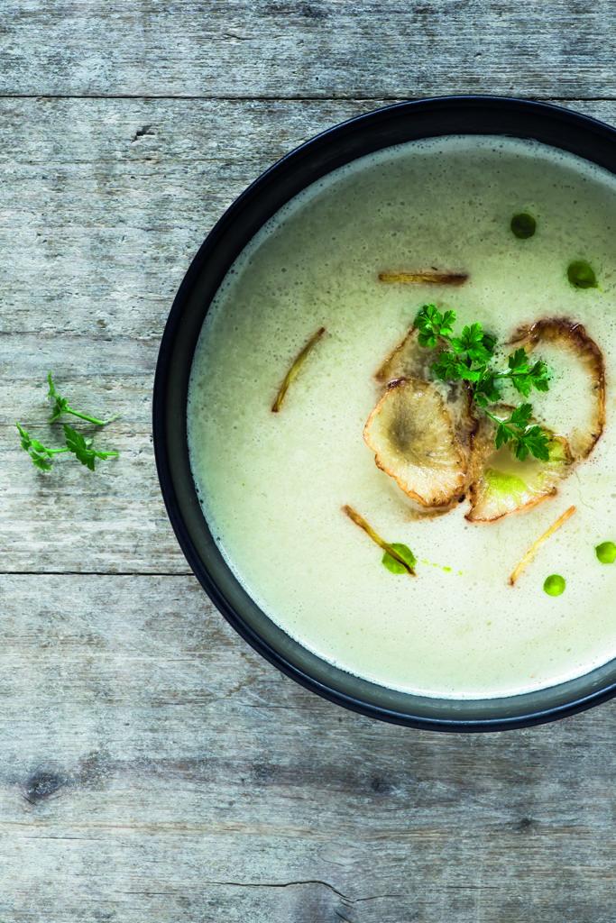 Yaconwurzel-kokos-suppe-ingwer-abgeschmecktundaufgedeckt-foodblog
